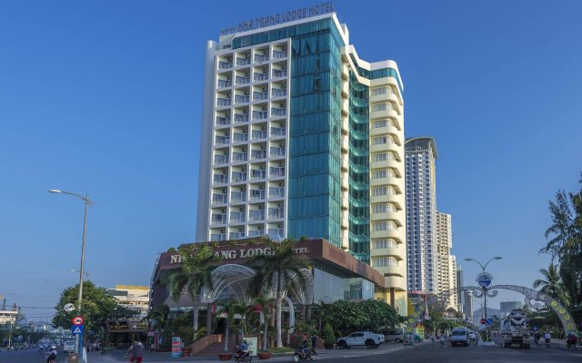 Nha Trang Lodge Hotel Нячанг вид на фасад