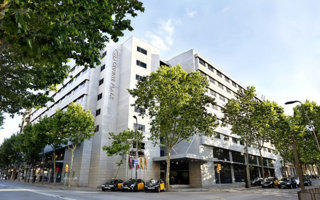Отель Crowne Plaza Barcelona - Fira Center вид на фасад