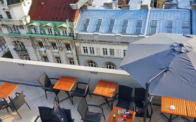 Отель Republic Square Sky Terrace вид на фасад