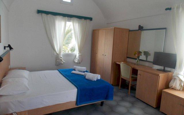 Отель Sunrise Studios Perissa Греция, Остров Санторини - 8 отзывов об отеле, цены и фото номеров - забронировать отель Sunrise Studios Perissa онлайн комната для гостей