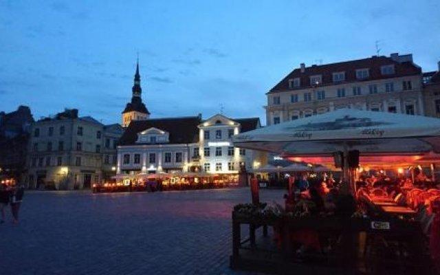 Отель Old Town Art Hostel Эстония, Таллин - отзывы, цены и фото номеров - забронировать отель Old Town Art Hostel онлайн вид на фасад