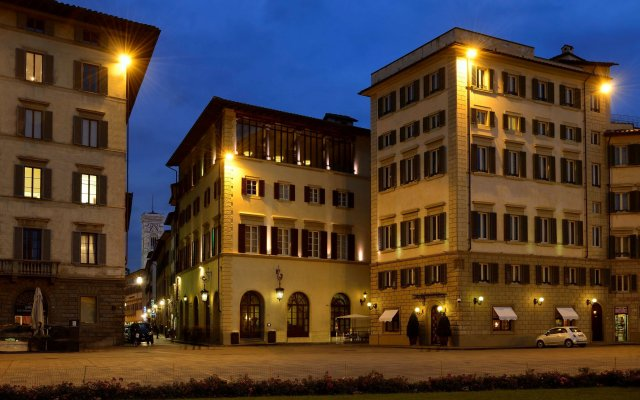 Отель L'Orologio Италия, Флоренция - 10 отзывов об отеле, цены и фото номеров - забронировать отель L'Orologio онлайн вид на фасад