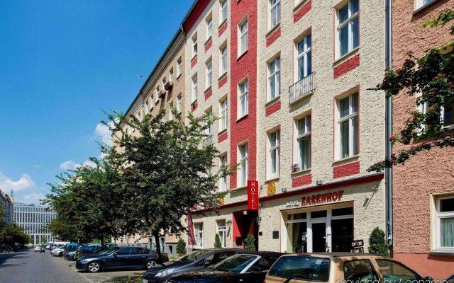 Zarenhof Berlin Mitte Hotel & Apartments Берлин вид на фасад