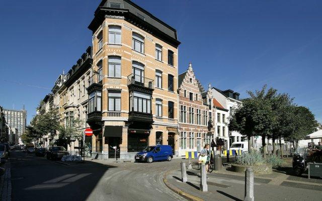Отель Raphael Suites Антверпен вид на фасад