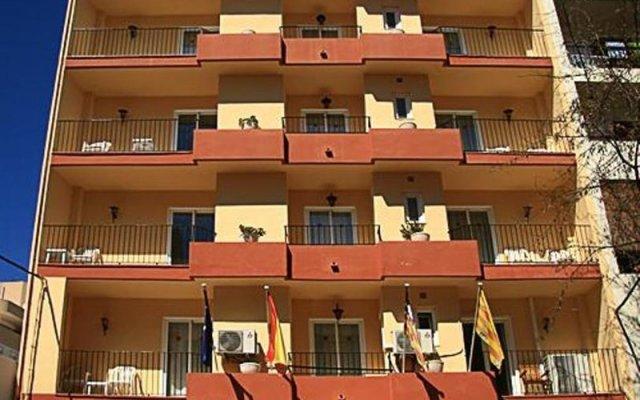Отель Hostal Residencia Europa Punico вид на фасад