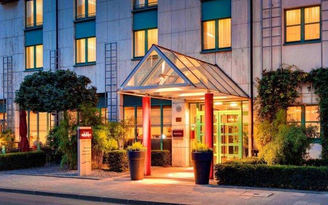 Отель Holiday Inn Düsseldorf - Hafen вид на фасад