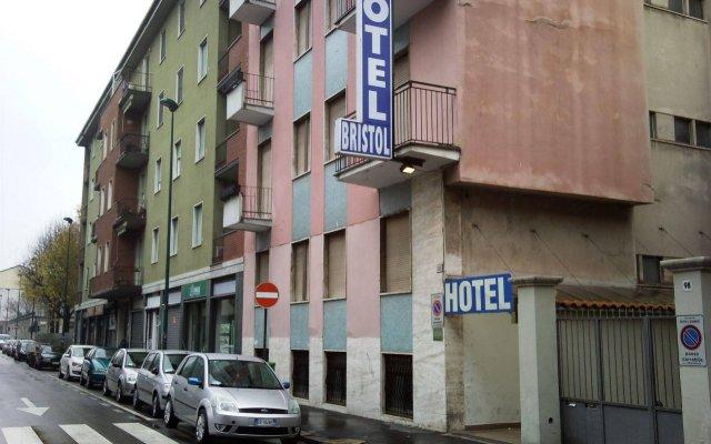 Hotel Bristol Сесто-Сан-Джованни вид на фасад