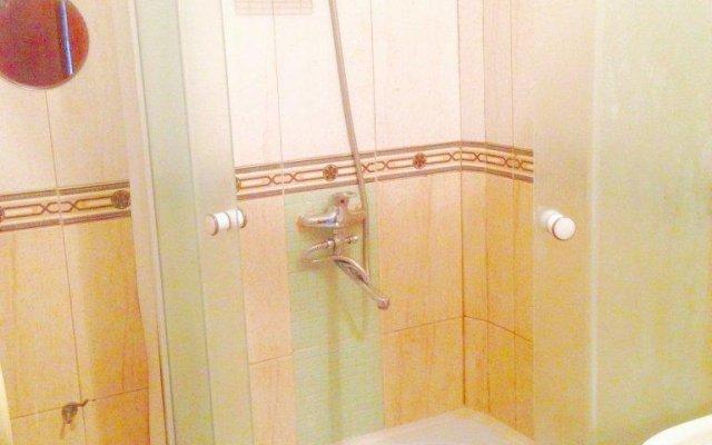 Гостиница Na 9 Aprelya Apartment в Калининграде отзывы, цены и фото номеров - забронировать гостиницу Na 9 Aprelya Apartment онлайн Калининград ванная