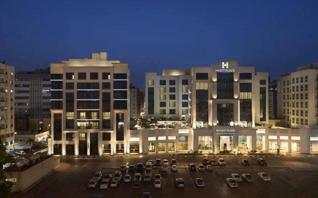 Отель Hyatt Place Dubai Al Rigga Residences вид на фасад