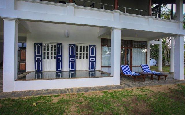 Отель Club Villa вид на фасад