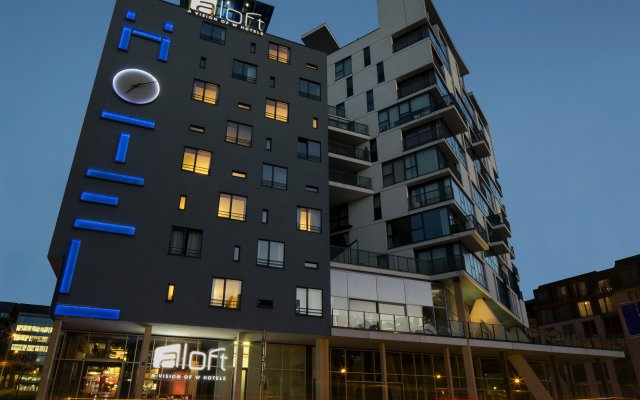 Отель Aloft Brussels Schuman вид на фасад
