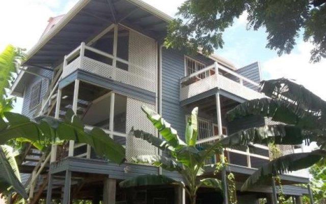 Отель The Gardens Utila Гондурас, Остров Утила - отзывы, цены и фото номеров - забронировать отель The Gardens Utila онлайн вид на фасад