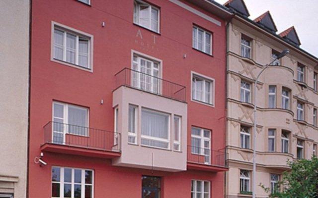 Отель Art Hotel Prague Чехия, Прага - 10 отзывов об отеле, цены и фото номеров - забронировать отель Art Hotel Prague онлайн вид на фасад