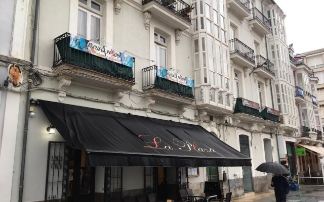 Отель Albergue De Peregrinos La Bilbaina Испания, Сантония - отзывы, цены и фото номеров - забронировать отель Albergue De Peregrinos La Bilbaina онлайн вид на фасад