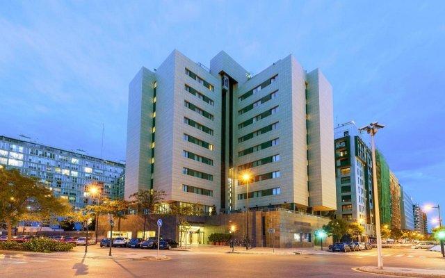 Отель Tryp Valencia Oceánic Hotel Испания, Валенсия - отзывы, цены и фото номеров - забронировать отель Tryp Valencia Oceánic Hotel онлайн вид на фасад