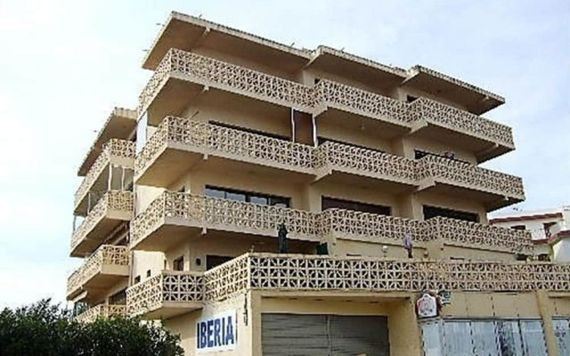 Отель Estudio 1031- Iberia 1-8 Испания, Курорт Росес - отзывы, цены и фото номеров - забронировать отель Estudio 1031- Iberia 1-8 онлайн вид на фасад