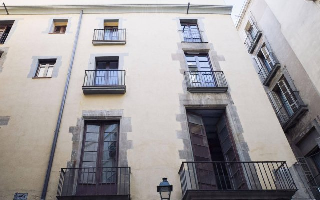 Апартаменты No 18 - The Streets Apartments вид на фасад