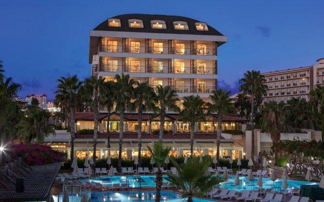 Отель Trendy Palm Beach - All Inclusive Сиде вид на фасад