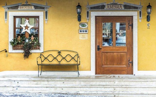 Ambra Cortina Luxury & Fashion Boutique Hotel вид на фасад