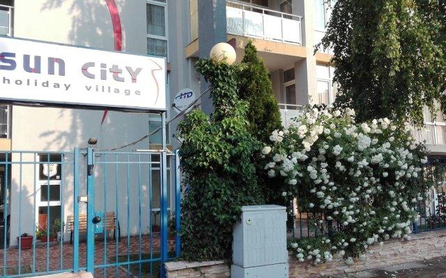 Апартаменты Sun City Apartments вид на фасад