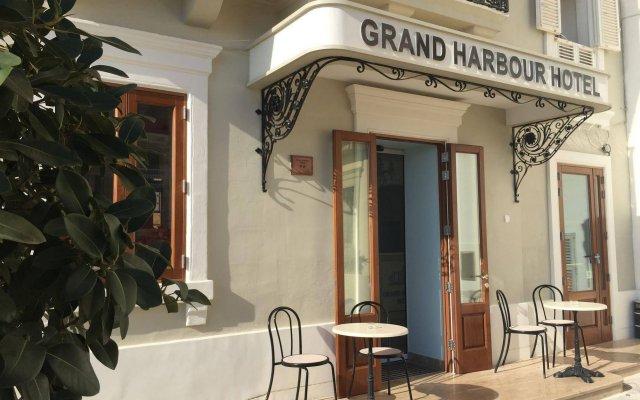 Отель Grand Harbour Hotel Мальта, Валетта - отзывы, цены и фото номеров - забронировать отель Grand Harbour Hotel онлайн вид на фасад