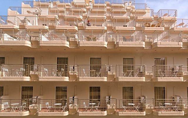 Отель Irini вид на фасад