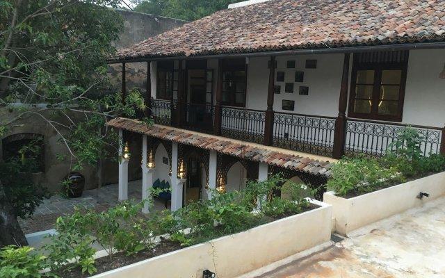 Отель Fort Square Boutique Villa Шри-Ланка, Галле - отзывы, цены и фото номеров - забронировать отель Fort Square Boutique Villa онлайн вид на фасад