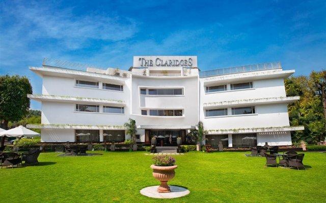 Отель The Claridges New Delhi вид на фасад