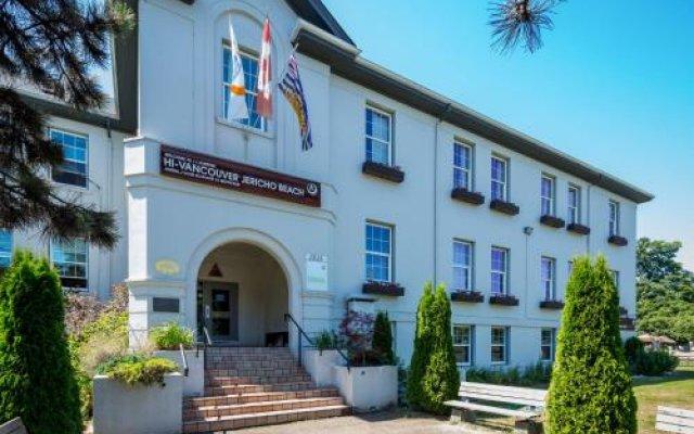 Отель HI-Vancouver Jericho Beach Канада, Ванкувер - отзывы, цены и фото номеров - забронировать отель HI-Vancouver Jericho Beach онлайн вид на фасад