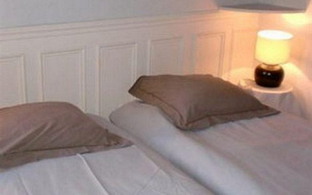 Отель Vacation Rental Marais 3 Париж комната для гостей