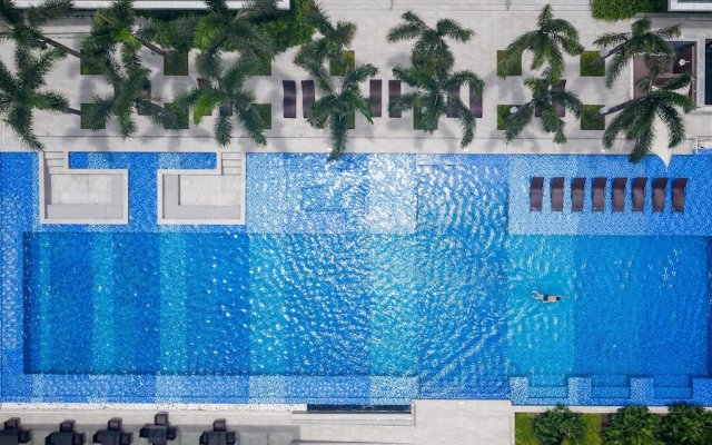 Holiday Inn Hotel And Suites Saigon Airport вид на фасад