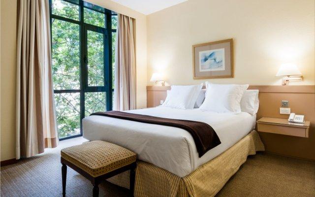 Отель Espahotel Plaza Basilica Мадрид комната для гостей