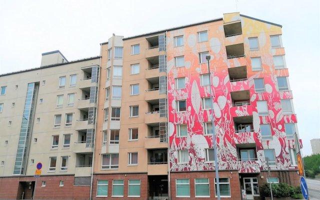 Отель Hiisi Homes Helsinki Sörnäinen вид на фасад
