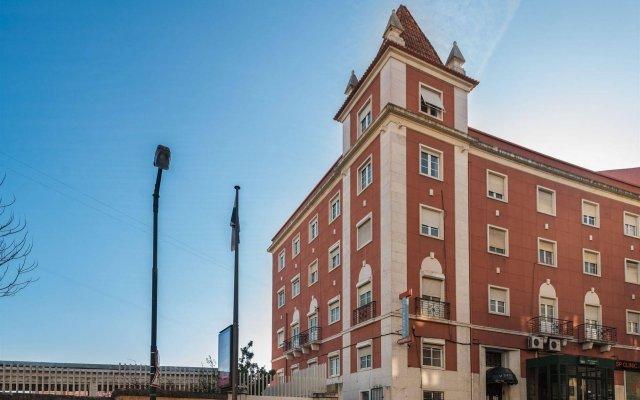 Отель V Dinastia Lisbon Guesthouse вид на фасад
