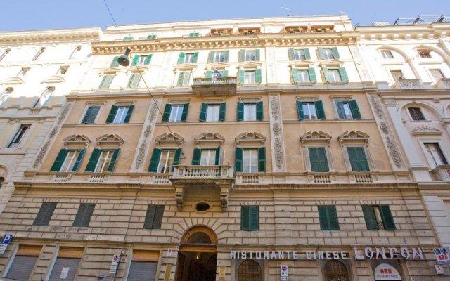 Отель I Giardini Del Quirinale вид на фасад