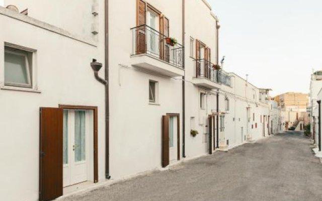 Отель Il Borgo Ritrovato - Albergo Diffuso Бернальда вид на фасад