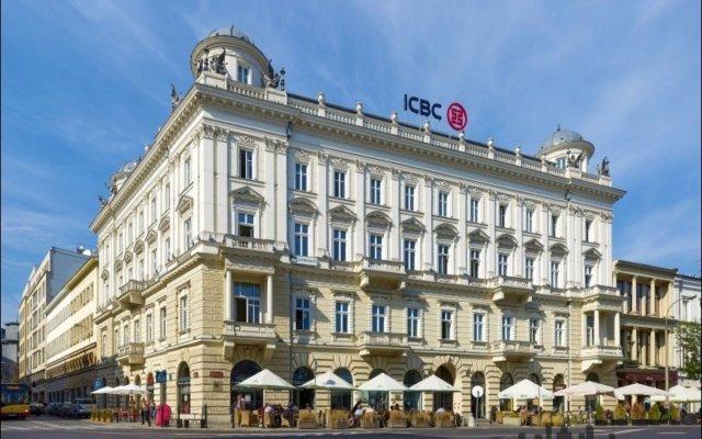 Отель P&O Apartments Plac Trzech Krzyzy Польша, Варшава - отзывы, цены и фото номеров - забронировать отель P&O Apartments Plac Trzech Krzyzy онлайн вид на фасад