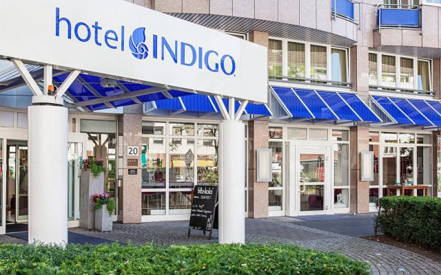 Отель Indigo Düsseldorf - Victoriaplatz Германия, Дюссельдорф - отзывы, цены и фото номеров - забронировать отель Indigo Düsseldorf - Victoriaplatz онлайн вид на фасад