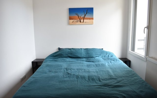 Апартаменты Charming Apartment in Gambetta, Ménilmontant Париж комната для гостей