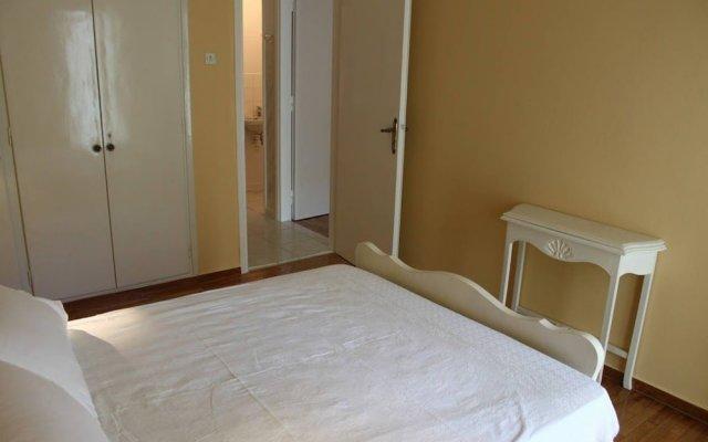 Апартаменты Spacious apartment in central Athens комната для гостей