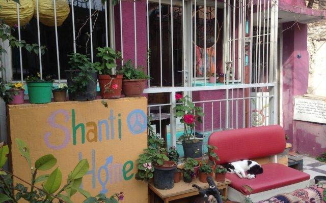 Хостел Shantihome Турция, Измир - отзывы, цены и фото номеров - забронировать отель Хостел Shantihome онлайн вид на фасад
