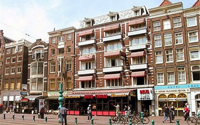 Delta Hotel Amsterdam Амстердам вид на фасад