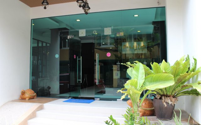 Отель Fulla Place вид на фасад