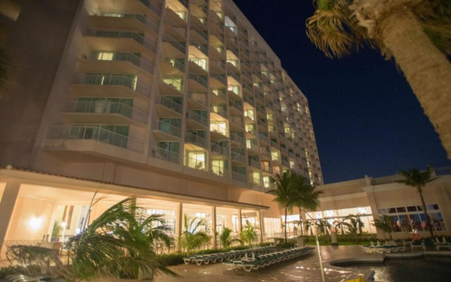 Riu Palace Paradise Island All Inclusive Adults Only In Paradise Island Bahamas From 396 Photos Reviews Zenhotels Com