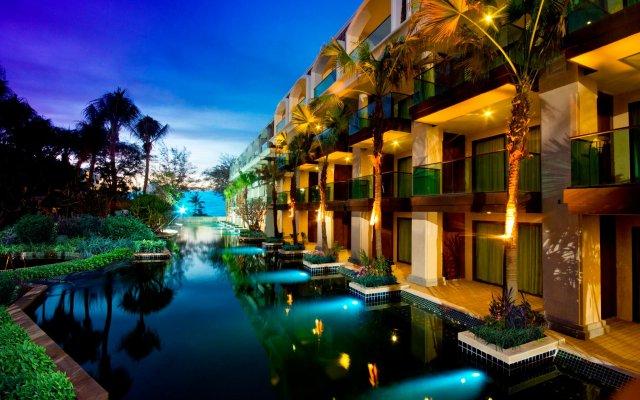 Отель Graceland Resort And Spa Пхукет вид на фасад