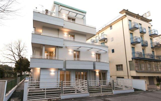 Отель Riva Azzurra Residence Римини вид на фасад