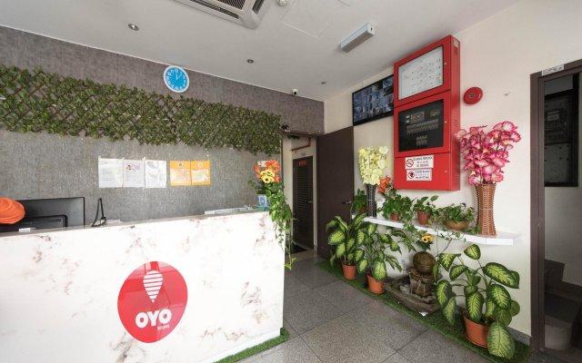 Отель OYO 152 Swiss Cottage Hotel Малайзия, Куала-Лумпур - отзывы, цены и фото номеров - забронировать отель OYO 152 Swiss Cottage Hotel онлайн вид на фасад