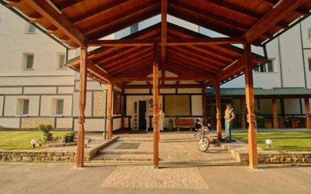 Гостиница Love Panorama Monica Украина, Тернополь - отзывы, цены и фото номеров - забронировать гостиницу Love Panorama Monica онлайн вид на фасад