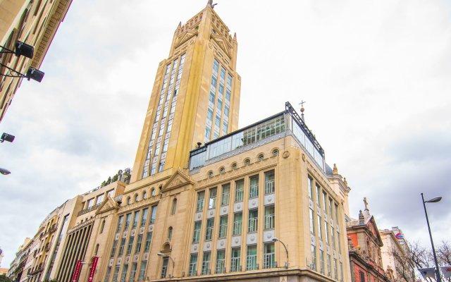 Отель Petit Palace Alcalá вид на фасад