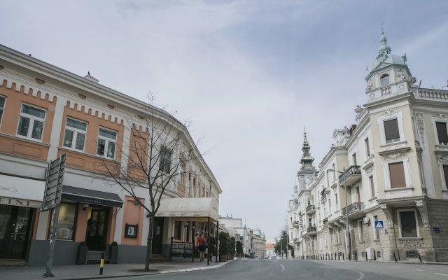 Отель Center Сербия, Белград - отзывы, цены и фото номеров - забронировать отель Center онлайн вид на фасад